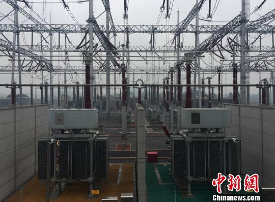 图为500千伏铜梁变电站。国网重庆市电力公司供图